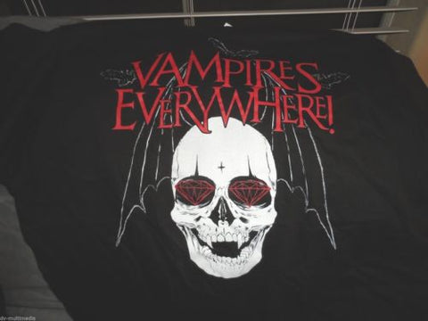 VAMPIRES EVERYWHERE - Winged Skull t-shirt ~NEVER WORN~ Med / Large