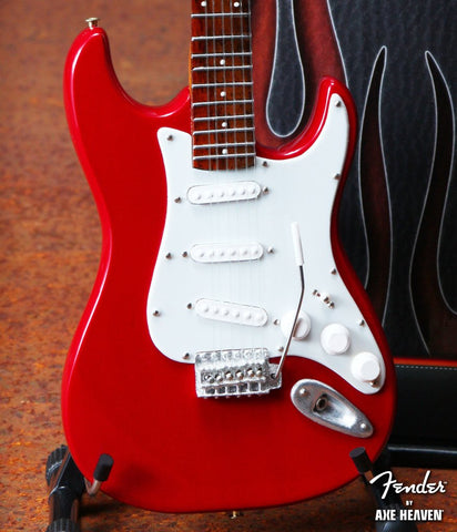 Fender Red Strat 1:4 Scale Replica Guitar ~Axe Heaven~