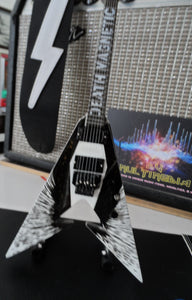 Kirk Hammett Death Magnetic V 1:4 Scale Replica Guitar ~Axe Heaven~
