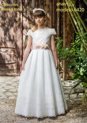 Quickly delivery Dot tulle Classic Lace appliques  Anavig 6420  Spanish Communion Gown