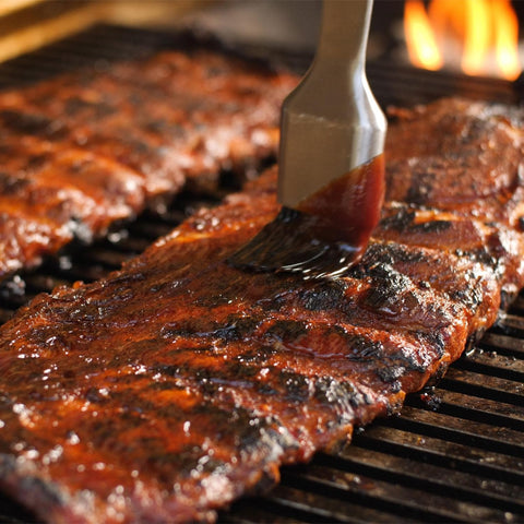 "Fire Magic Choice 24"" Grill With Analog Thermometer On Patio Post - C430S-RT1N-P6 /  C430S-RT1P-P6 - Saucing Ribs"