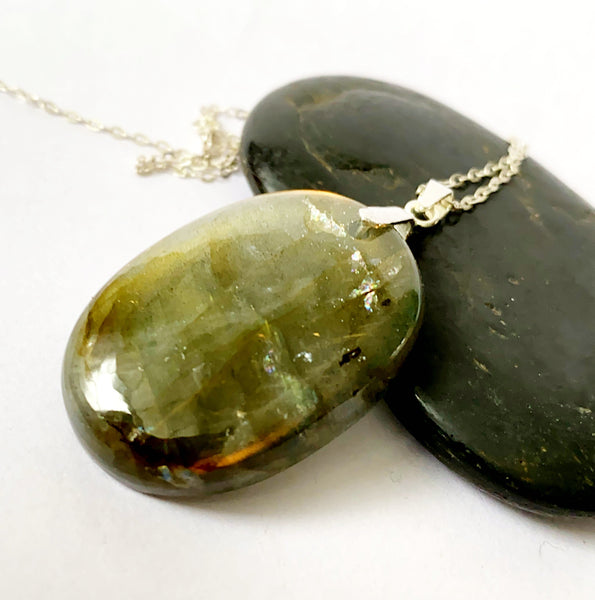 Oval Labradorite Sterling Silver Pendant Necklace - Glitter and Gem Jewellery
