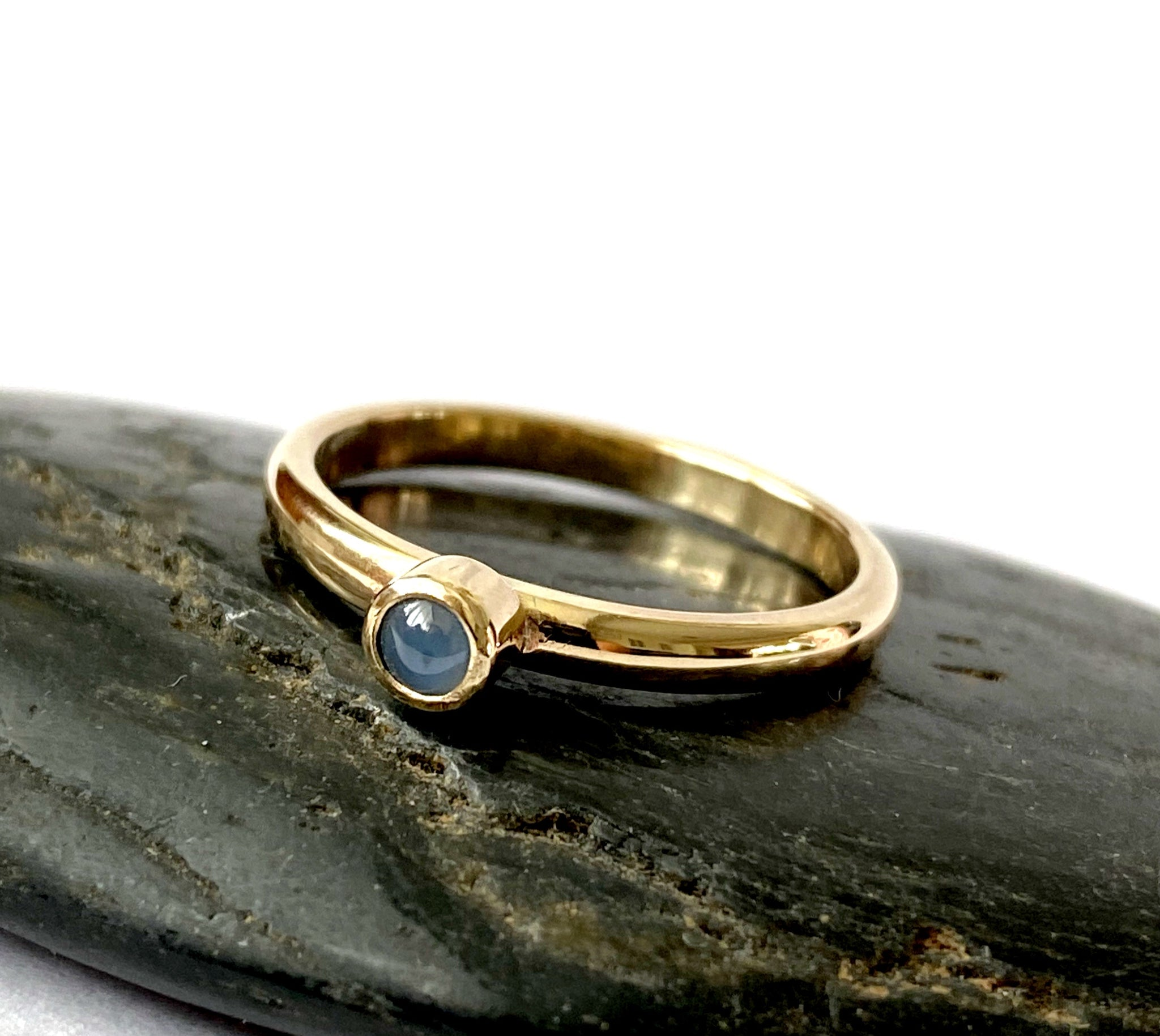 Natural Sapphire 9 carat Gold Ring - Glitter and Gem Jewellery