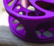 Nautilus CCF-X2 Fly Reel - 6/8 in Violet / Purple *NOTE: demo reel with a small scratch*