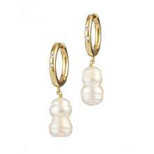 Diamonds & pearls earrings