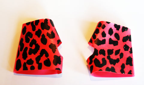 Metallic Vibrant Pink Kitty Paw Print Gloves