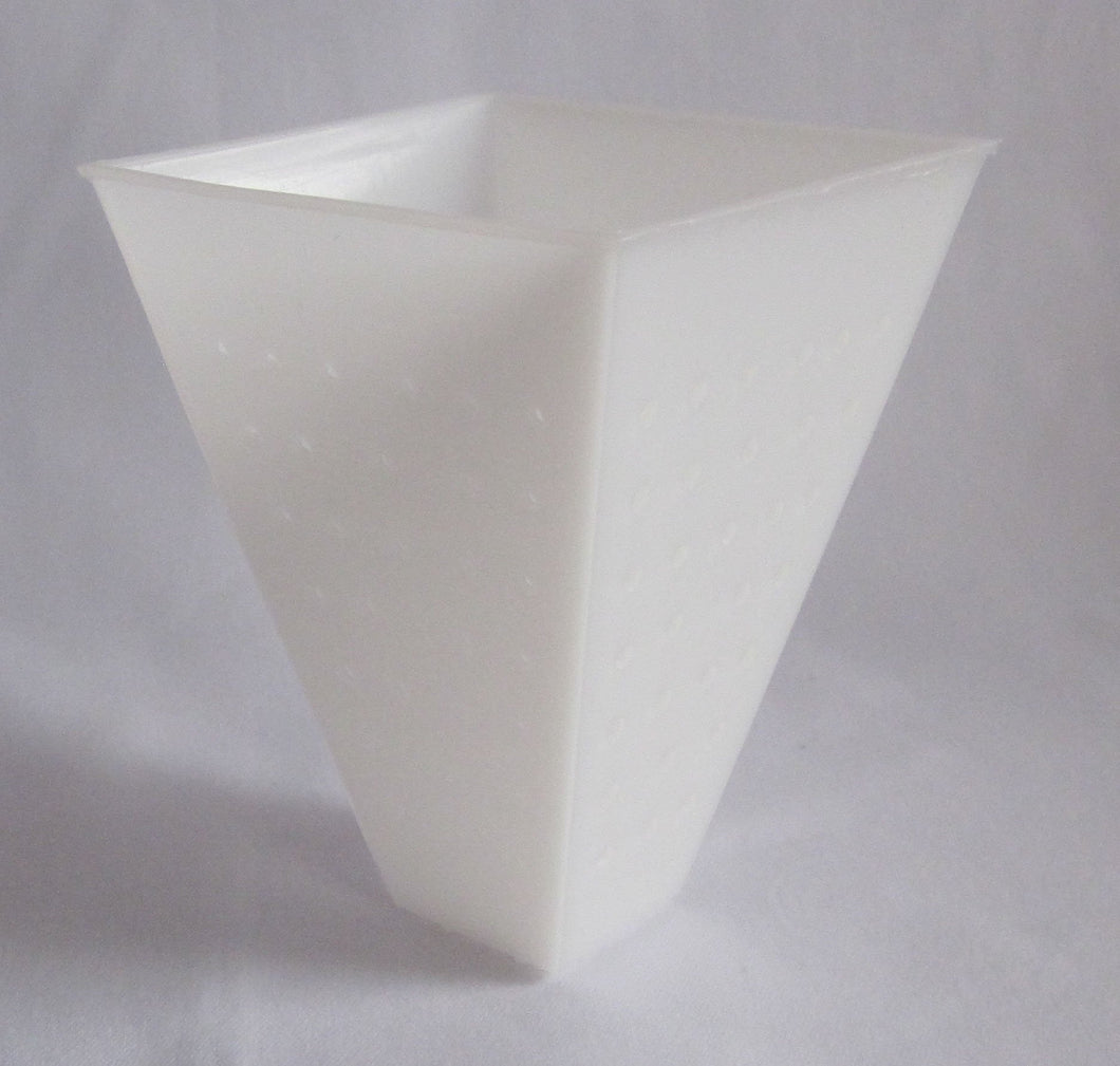 W32:PF3822 Pyramide Soft Cheese Mould - flat bottom