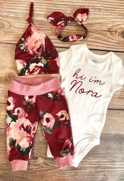 Hi I'm Holly Floral Newborn Outfit - Josie and James