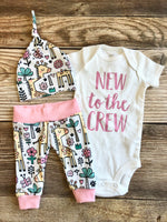 New to the Crew White and pink Giraffe Coming Home Outfit, newborn