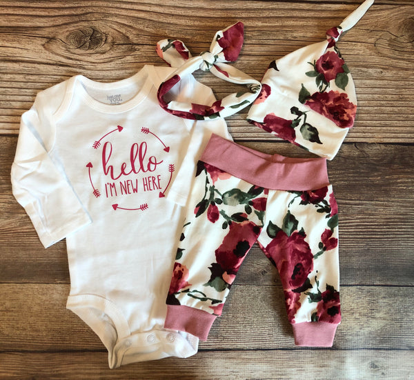 Harper Floral Coming Home Outfit, Hello I'm new here - Josie and James