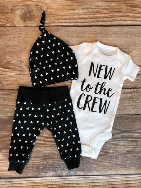 New to the Crew Black and White Triangle Newborn Outfit