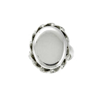Oval Edged Scallop Monogram Ring