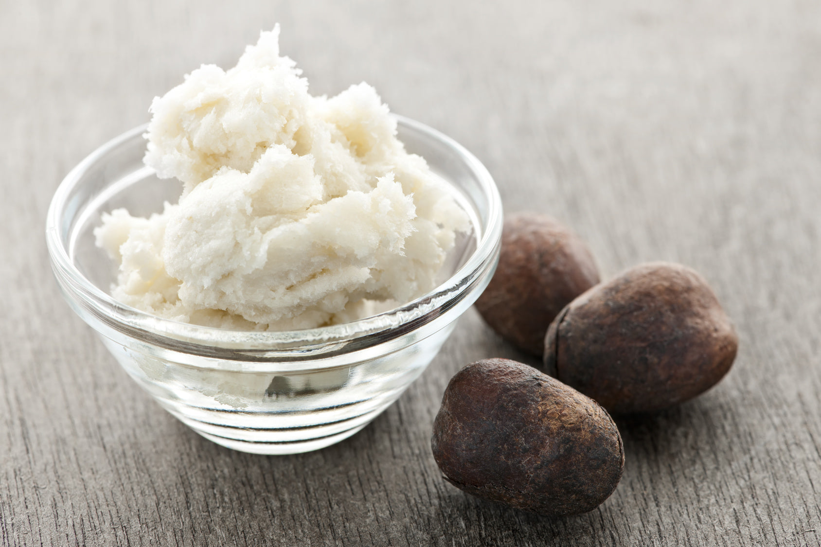 WHY SHEA BUTTER WORKS AS A MOISTURIZER