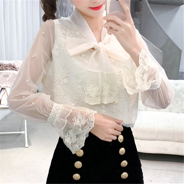 Sweet Trumpet Sleeves Stitching Lace Shirt
