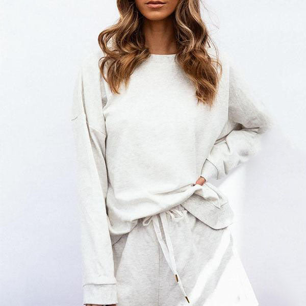Round Neck Sweater & Shorts Suit