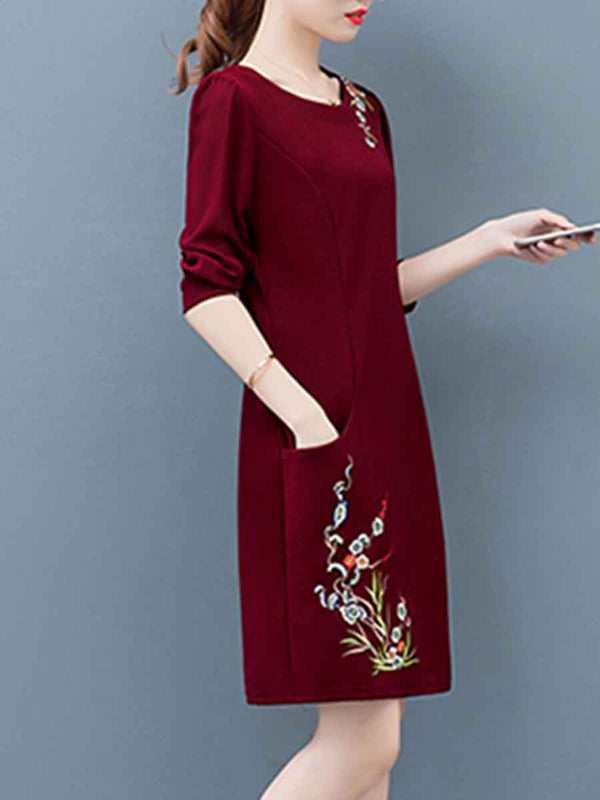 Fashion embroidered long sleeve shift dress