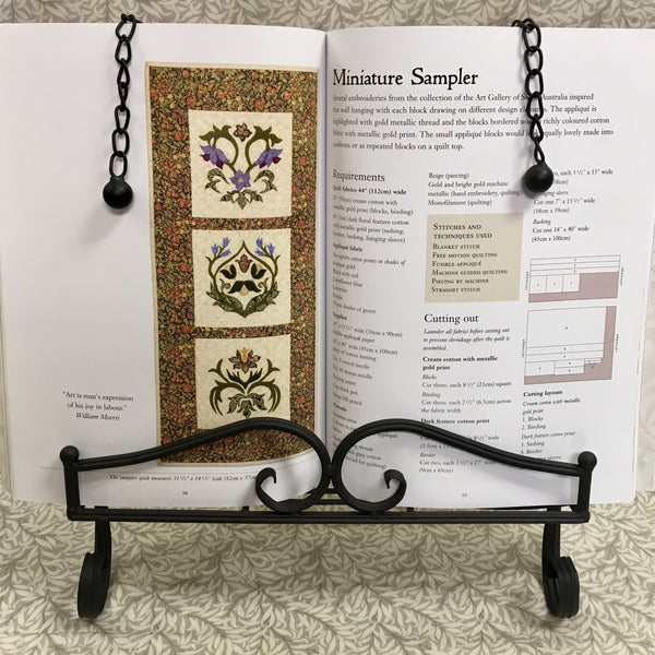 Swirl Design Book Stand
