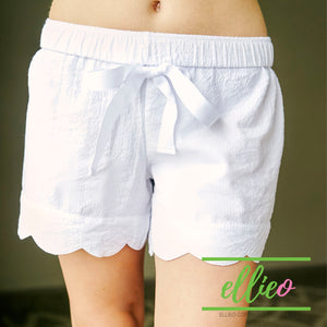 Seersucker white scallop shorts