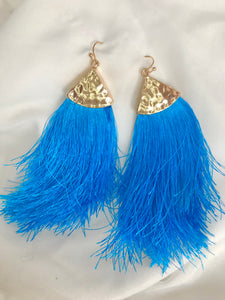 Dynamic blue earrings