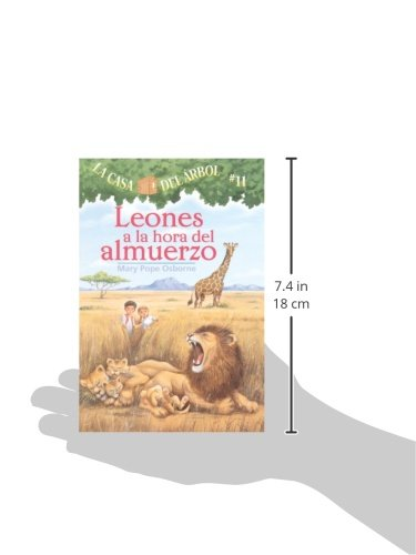 Leones A La Hora Del Almuerzo (Lions At Lunchtime) (Turtleback School & Library Binding Edition) (Magic Tree House) (Spanish Edition)