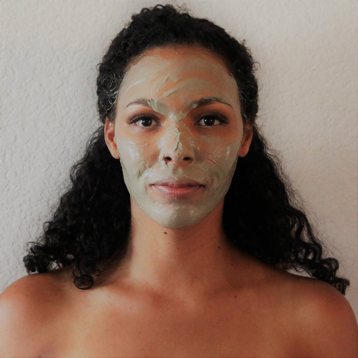 5 Ways Bentonite Clay Improves Health and Beauty