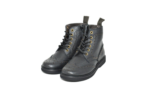 Wing tip Boots