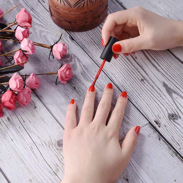 nail art,nail design, nail look, gel polish, nail lamp, summer, back to school, color, manicure, red, classic, beauty, fashion, style, trend