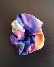 Load image into Gallery viewer, Sateen Geo Mum and Baby Scrunchies
