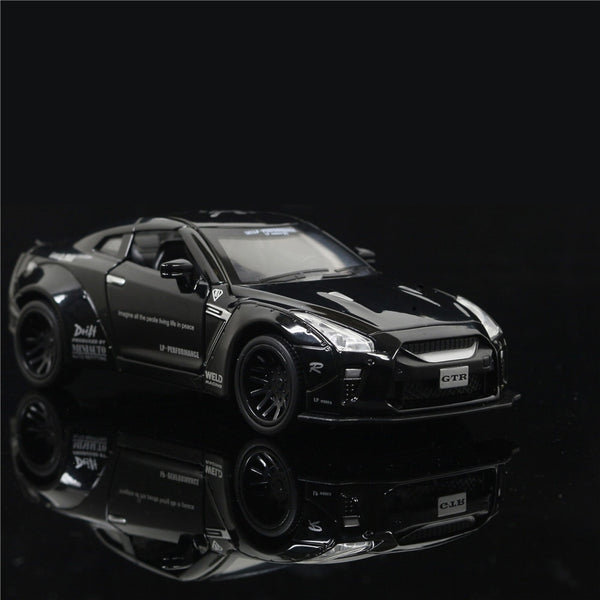 1:32 Nissan GTR Alloy Car Model Sound & Light Pull Back Car Diecast Electronic Toy Cars Birthday Gift Free Shipping