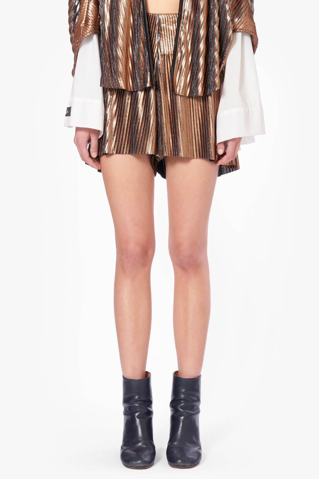 Plissé Gold Shorts