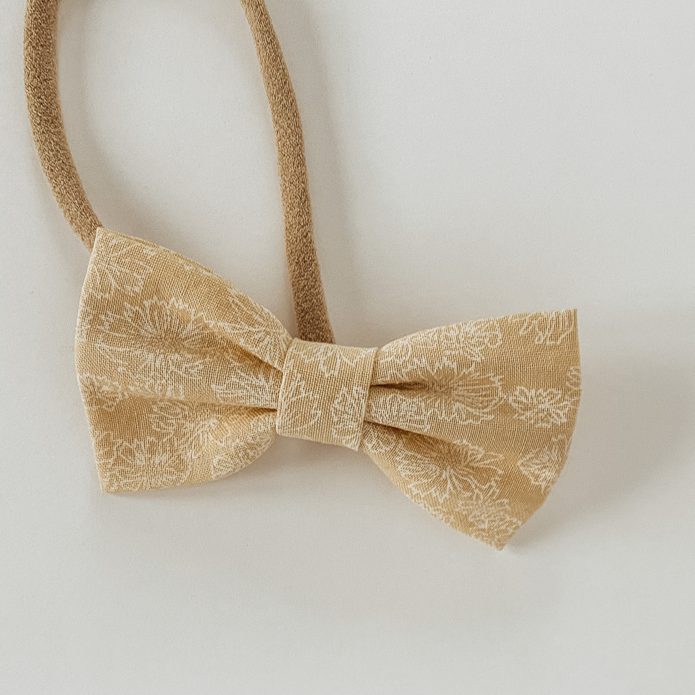 Floral Cream Classic Bow