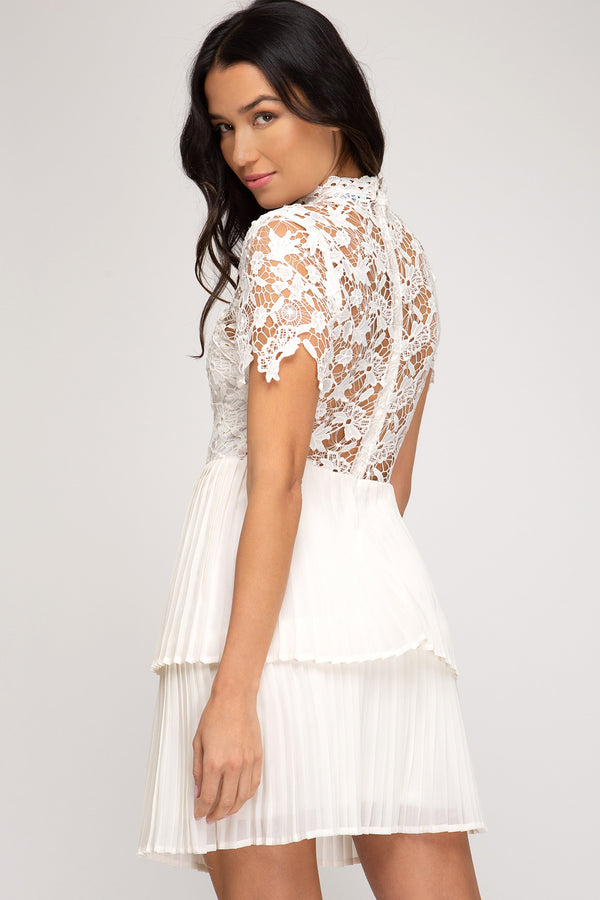 Short Sleeve Laced Top Dress Cream
