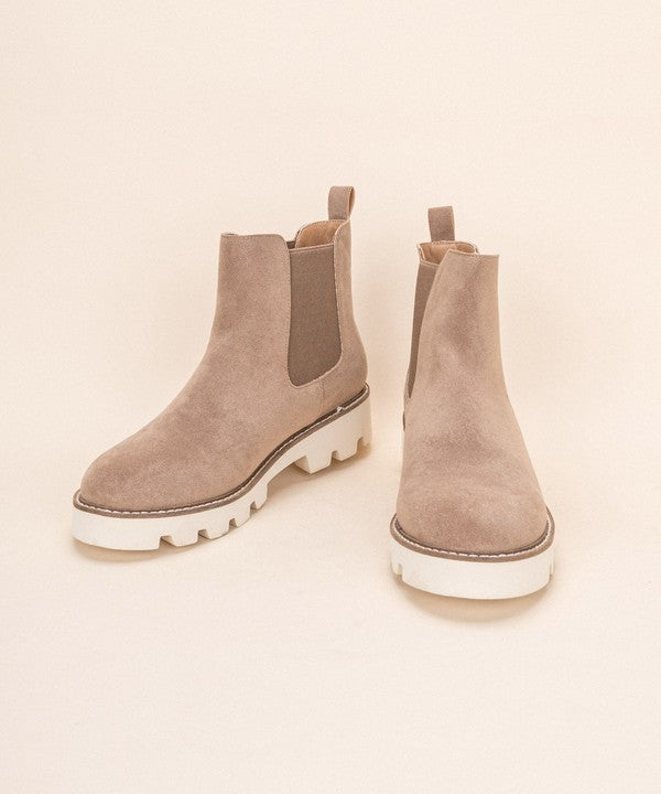 Jessie Slip On Bootie Light Latte