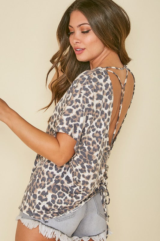 Leopard Printed Back Detailed Knit Top Tan