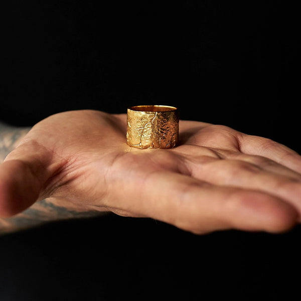 DION DREYES CHUNKY GOLD RING