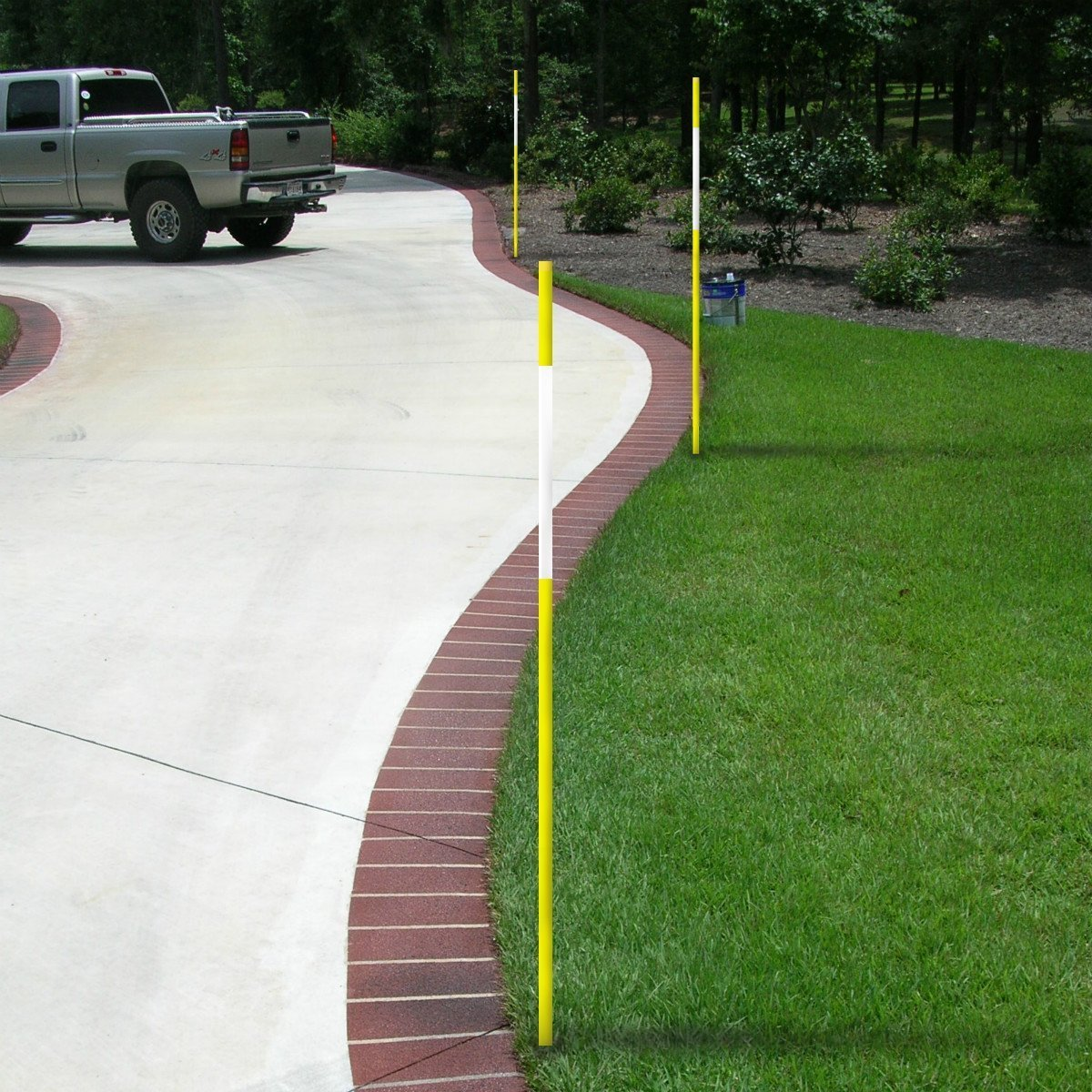 FiberMarker Reflective Driveway Markers 48-Inch Green 100-Pack Hollow 1//4-Inch Dia Driveway Poles for Easy Visibility at Night