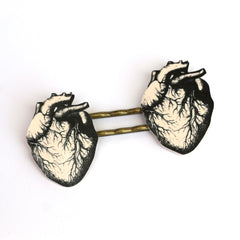 BP5024  B/W Anatomical Heart Bobby Pins