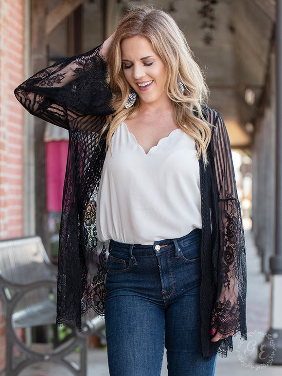 Country Chic Detailed Lace Kimono, Black
