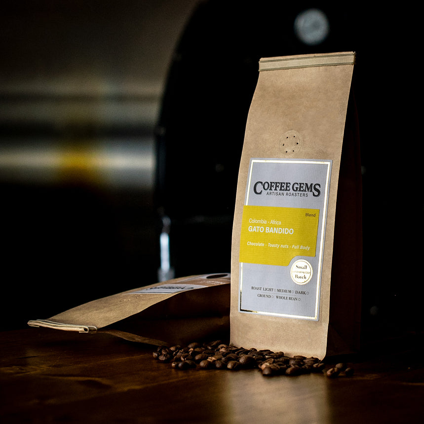 Freshly Roasted Coffee Beans - Gato Bandido, Blend