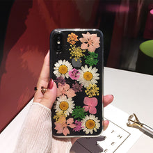Load image into Gallery viewer, Handmade Daisy Dried Flowers Phone Case For iPhone