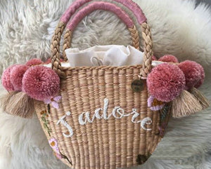 Beach Bag for Women Cute Handmade Straw Bags tassels pom pom Summer Vacation Handbags Drawstring Basket Bag Travel Tote
