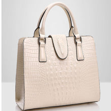 Load image into Gallery viewer, Hot Genuine leather bag ladies crocodile pattern Women messenger bags handbags women famous brand designer high quality