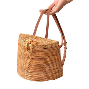 Straw Woven Backpack Bag For Girl Women,Rattan Ins Style Backpack Basket Hand woven Bag Crossbody Bag Shoulder bag