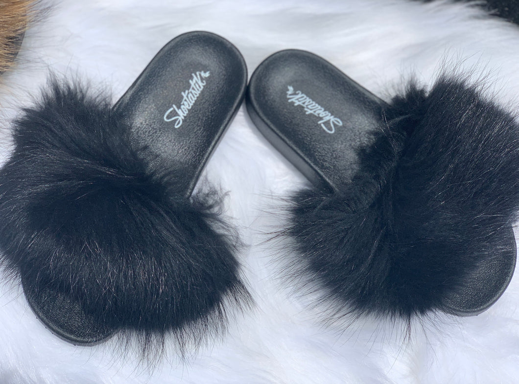 "Exclusive ""SHOETASTIK FUR SLIDES"""