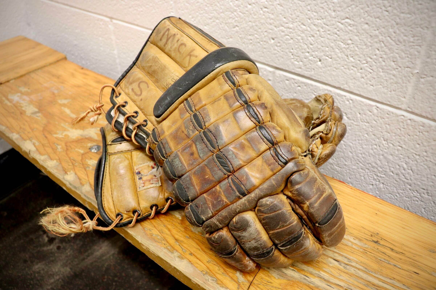 CCM Vintage Gloves
