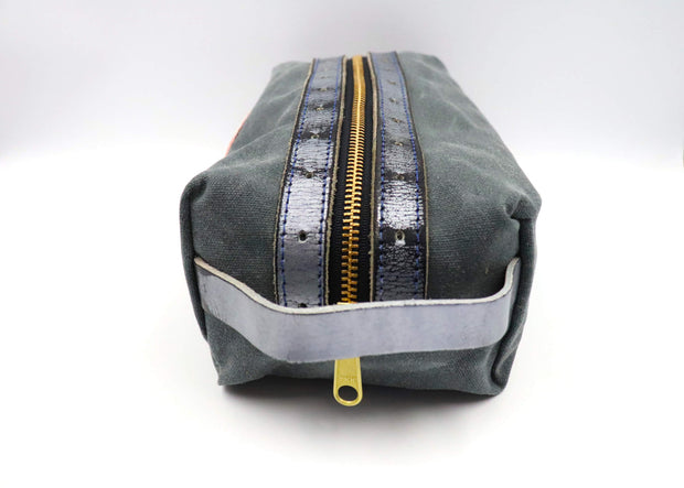 Broadway Pro Series Weathered Silver Bathroom Bag
