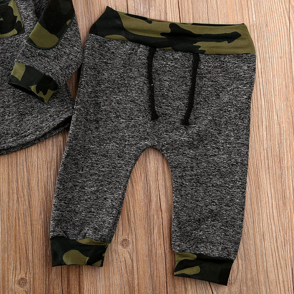 CASUAL IN CAMO Hoodie Track Set