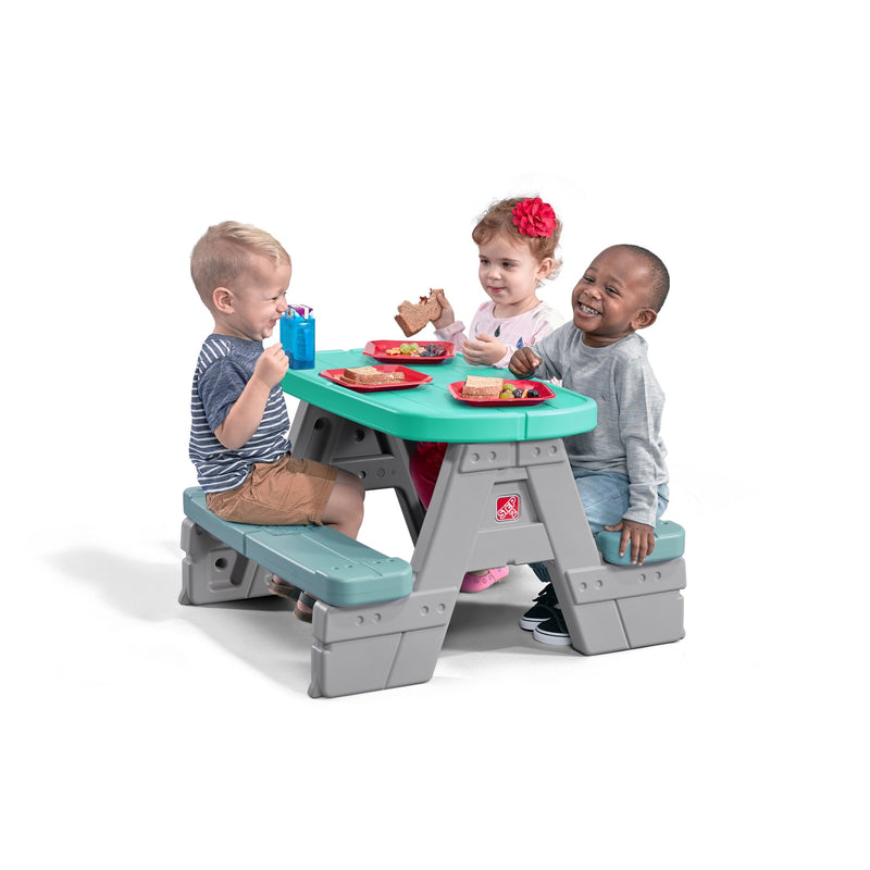 Step2 Sit and Snack Picnic Table