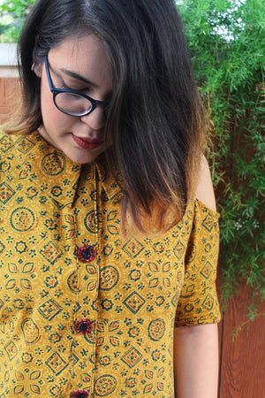 Cold shoulder shirt with handmade buttons - Sikhat