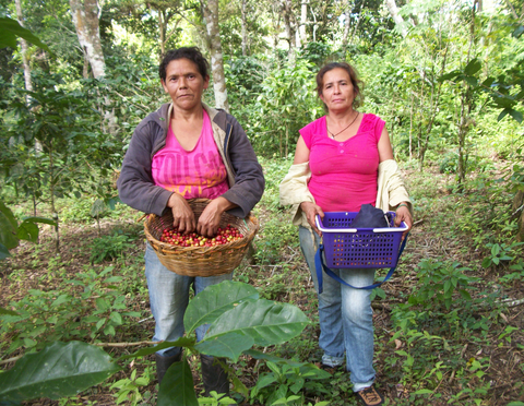 Elba met these two women on a coffee plantation in Nicaragua.